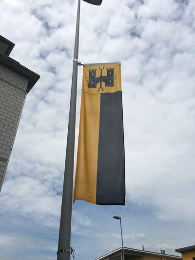 Beflaggung der Gemeinde Eschenbach LU durch Art Fahnen AG