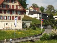 Beflaggung der Gemeinde Weggis LU durch Art Fahnen AG